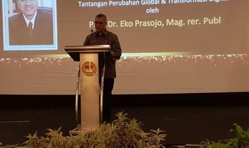 (Indonesia) MIPI Anugerahkan Penghargaan Tertinggi Kepada Dekan FIA UI Sebagai Tokoh Ilmu Pemerintahan 2017